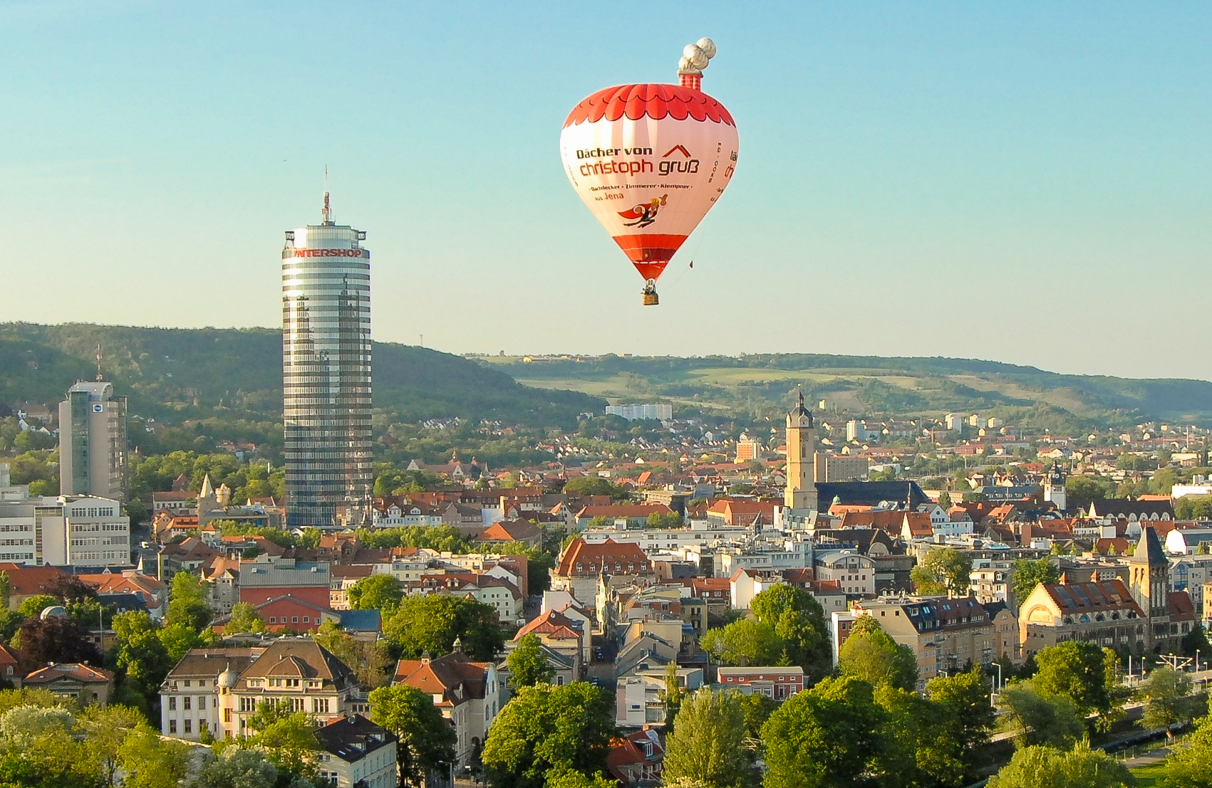 dach-gruss-dachdecker-zimmerer-klempner-jena-jentower-heissluftballon