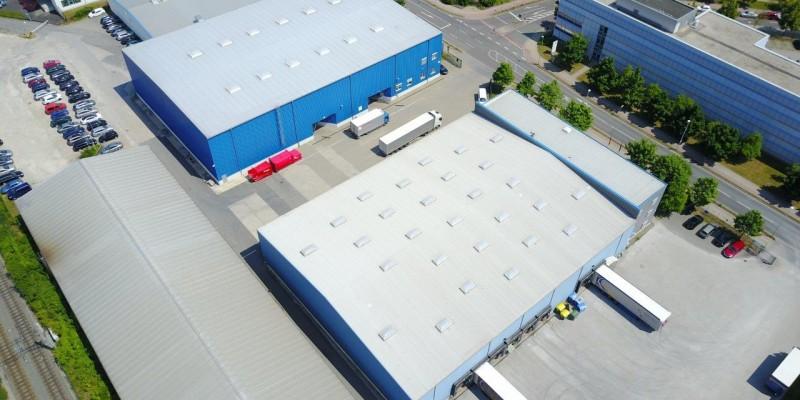 Hallendach des Verkehrssicherungsunternehmens AVS in Mellingen